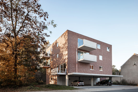 7 Units of Social Housing / Atelier Tom Vanhee + Luk Van Neste