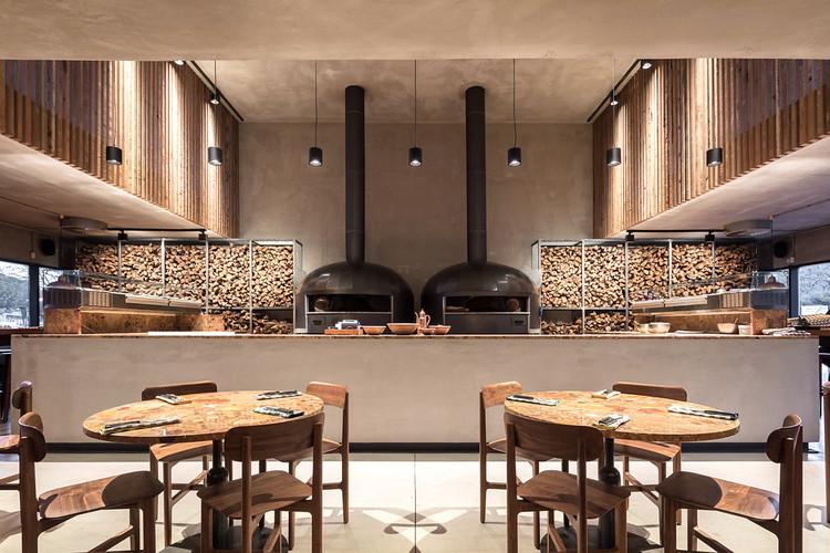 Pizzeria ZeroZero / LADO Arquitectura e Design, © Francisco Nogueira