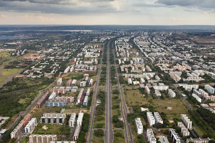 Plano piloto em Brasília-DF – área de grande dispersão urbana. Imagem © Joana França