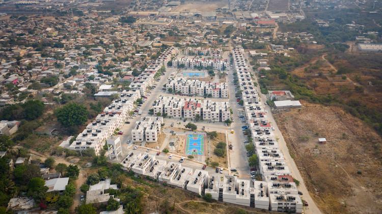T+E Arquitectos y Fracciona Arquitectura transforman parques vecinales en Tuxtla Gutiérrez, México, Bioparque San Juan. Image © Jaime Navarro