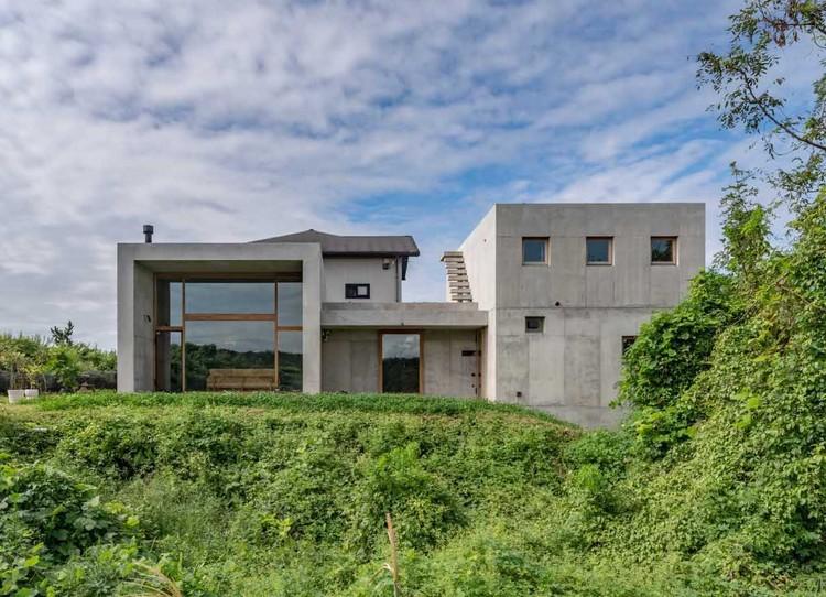 Sagamine House / Tomoaki Uno Architects, © Hiroshi Tanigawa