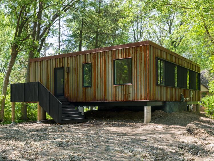 Lake Elmo weeHouse / Alchemy Architects, © Brooks Geenen