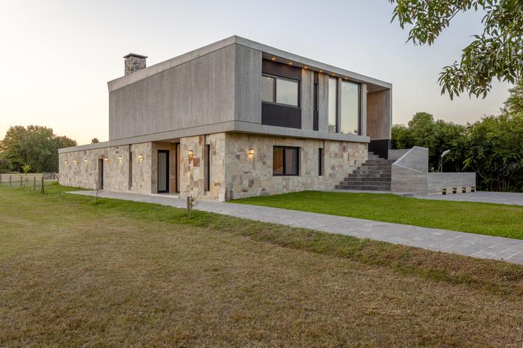 Casa al Golf / Adolfo Bavio Arquitectos, © Tejo Ediciones