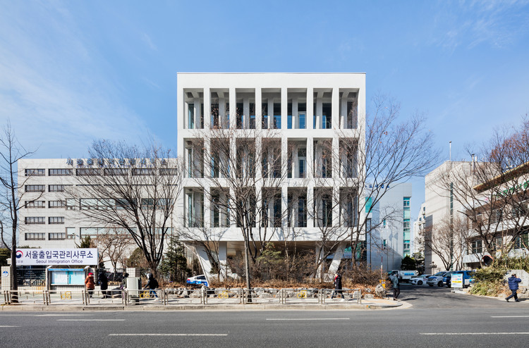 Office of Waterworks Gangseo / LIFE Architects + Rohe Architects, © Kyungsub Shin