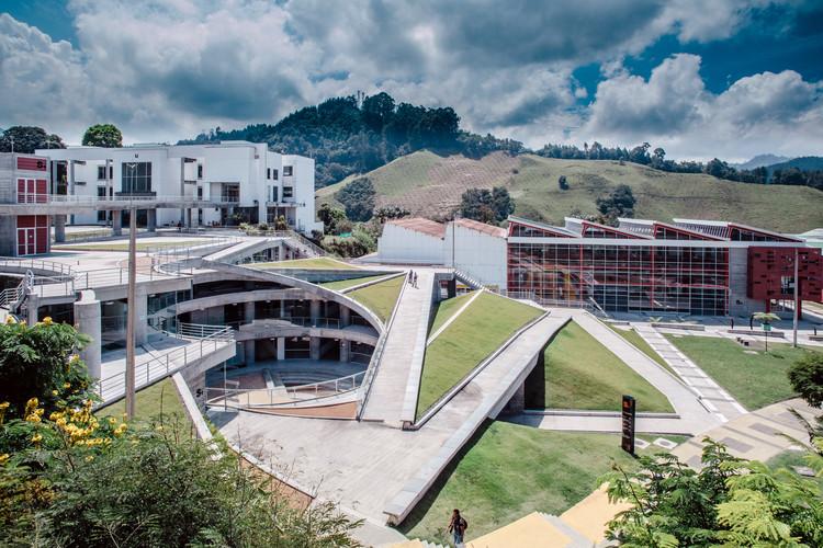 Edificio S1 Universidad Nacional de Colombia / Juan García Correa + John González + Claudia Rueda, © Carlos Amador