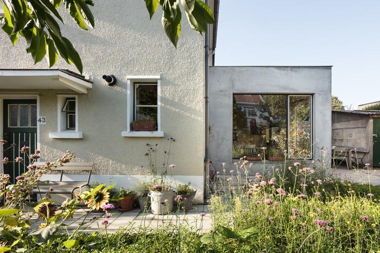 Extensión de casa en Bruselas / Atelier Tom Vanhee, © Stijn Bollaert