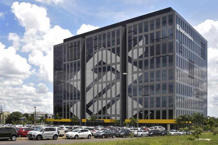 Banco do Brasil lança pacote de créditos para arquitetos em meio à crise de COVID-19, Sede do Banco do Brasil em Brasília. Foto: Fernando Bizerra/Agência Senado, licença CC BY 2.0