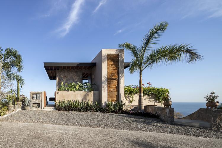 Mishel House / Zozaya Arquitectos, © César Belio