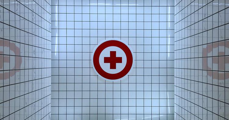 A pandemia, os hospitais e a cidade, Foto de Enric Moreu, via Unsplash