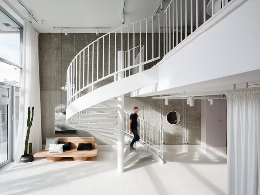 GIR Store / Studio AUTORI
