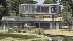 House in Coombe Park / Eldridge London Architects & Designers
