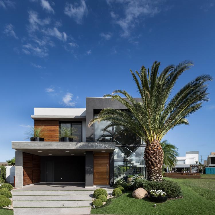 Casa i10 / Martin arquitetura + engenharia, © Marcelo Donadussi