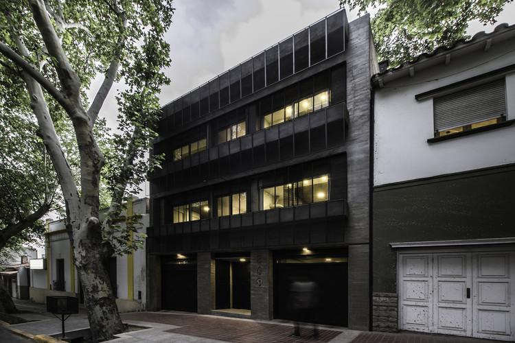 DCA Building / ONA - Oficina Nómada de Arquitectura + P. arquitectura I Paula Sanchez Abraham I, © Arq Luis Abba