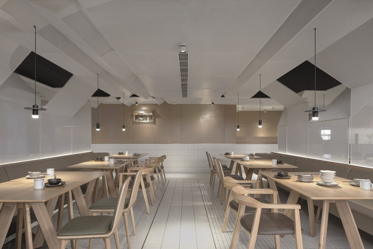 Goose Hut Home Bistro     / Golucci Interior Architects, © Lulu Xi