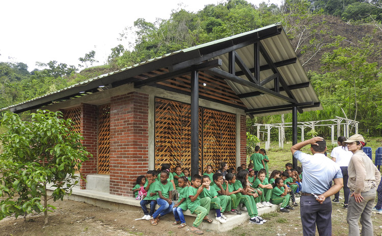 Sala de aula ambiental  / Taller Síntesis, © Silvio Pereira