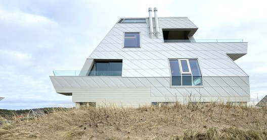 Coasthouse 2 / Lody Trap Architecten