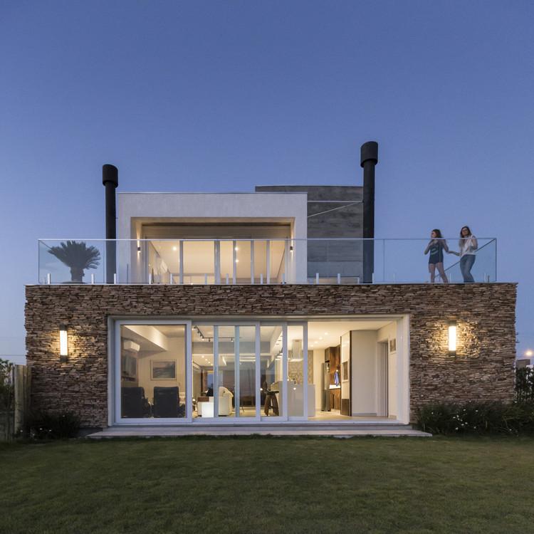 Casa Riviera MR / Corteo Arquitetos, © Marcelo Donadussi