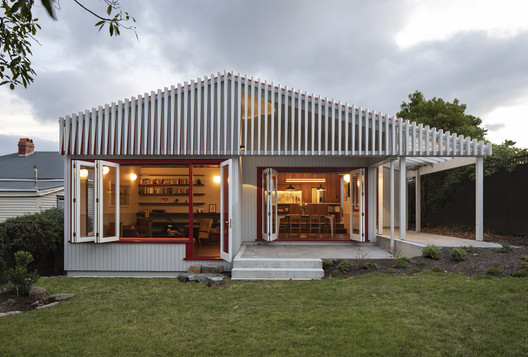 Split House  / Pac Studio