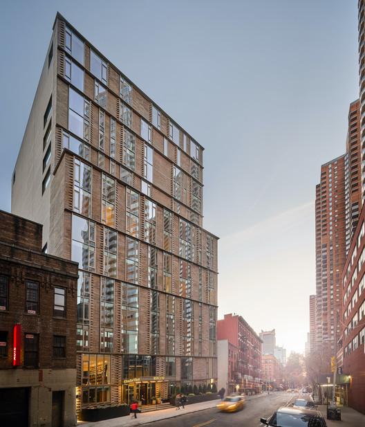 Charlie West Apartments / ODA New York + Lemay + Escobar, © Inessa Binenbaum