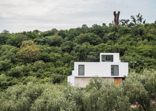 Casa LL / Taller5 Arquitectos