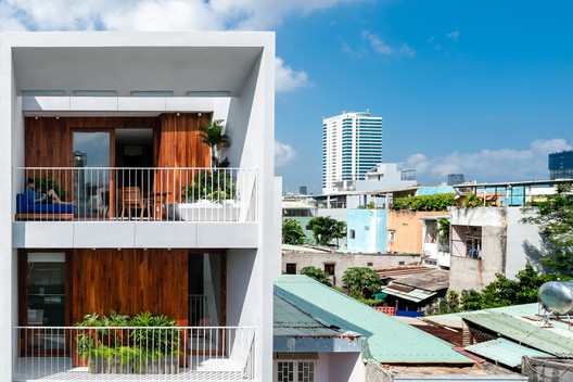 The Nắng Suites / o9 Design Studio