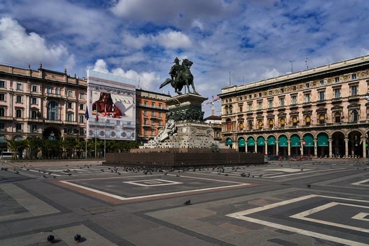Arquitetos e urbanistas contra o coronavírus: Arquicast entrevista, Praças vazias em Milão, Itália. Foto Mick De Paola, via Unsplash