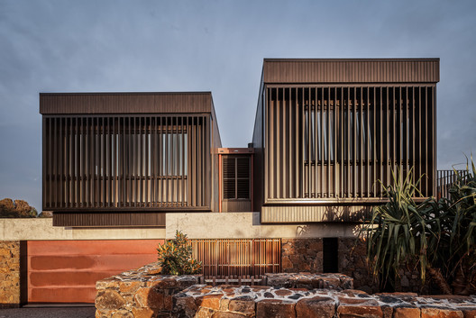 The Byron House  / Paul Uhlmann Architects