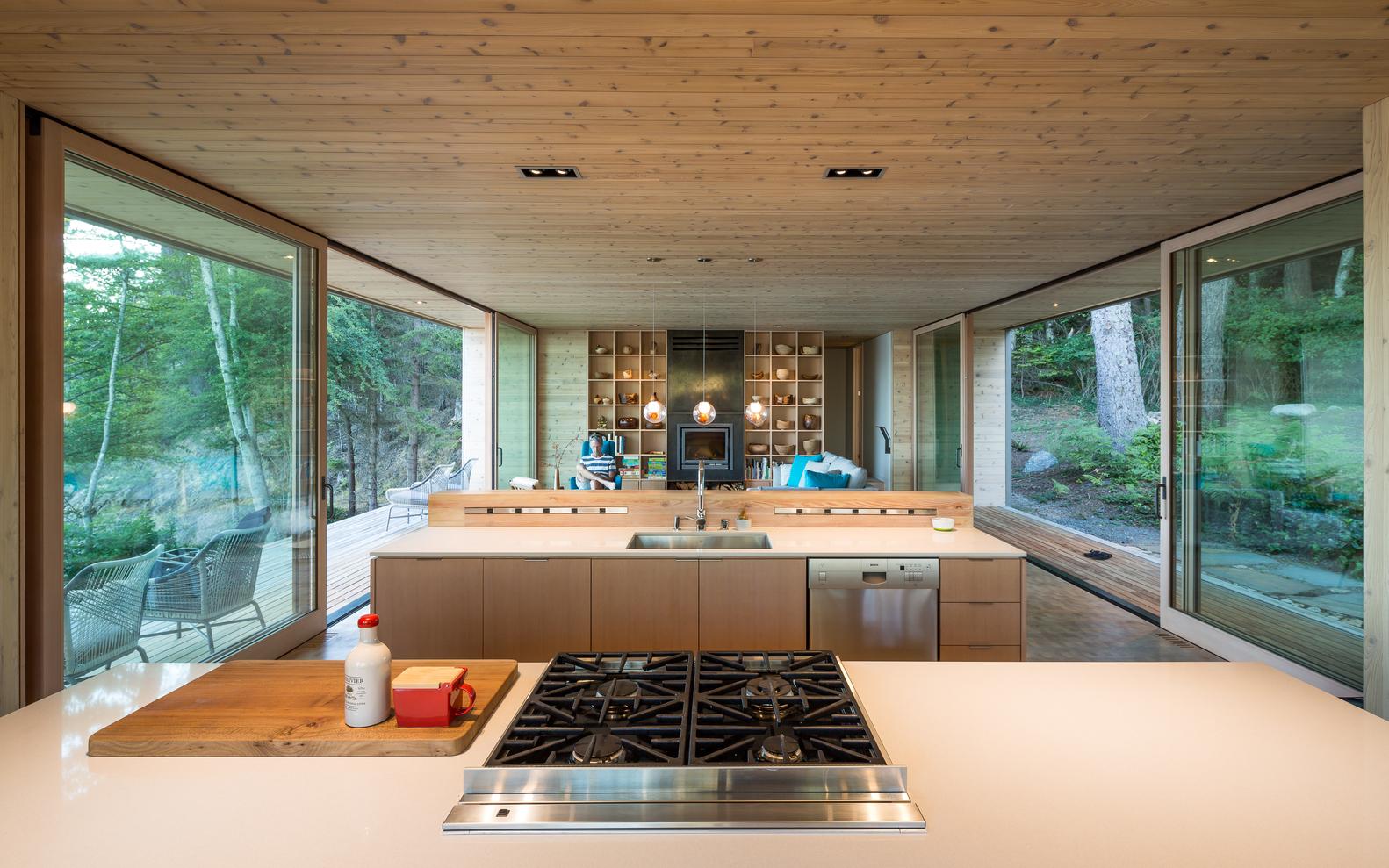 Cómo diseñar una Isla de cocina: Espacio eficiente y multifuncional,© Sean Airhart