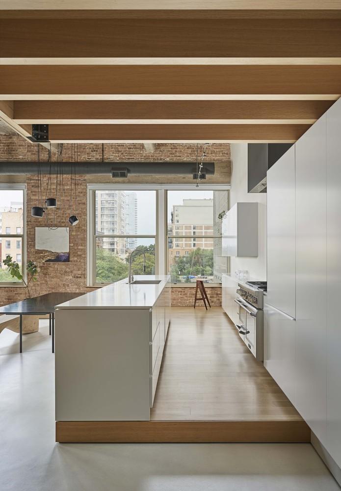Cómo diseñar una Isla de cocina: Espacio eficiente y multifuncional,© Mike Schwartz Photography
