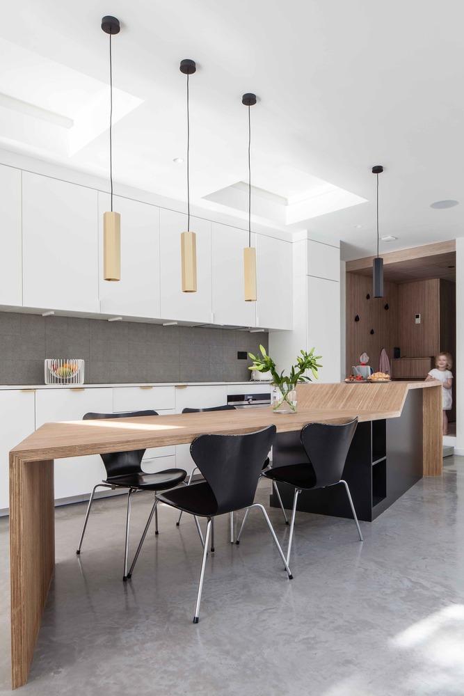 Cómo diseñar una Isla de cocina: Espacio eficiente y multifuncional,© Adelina Iliev Photography