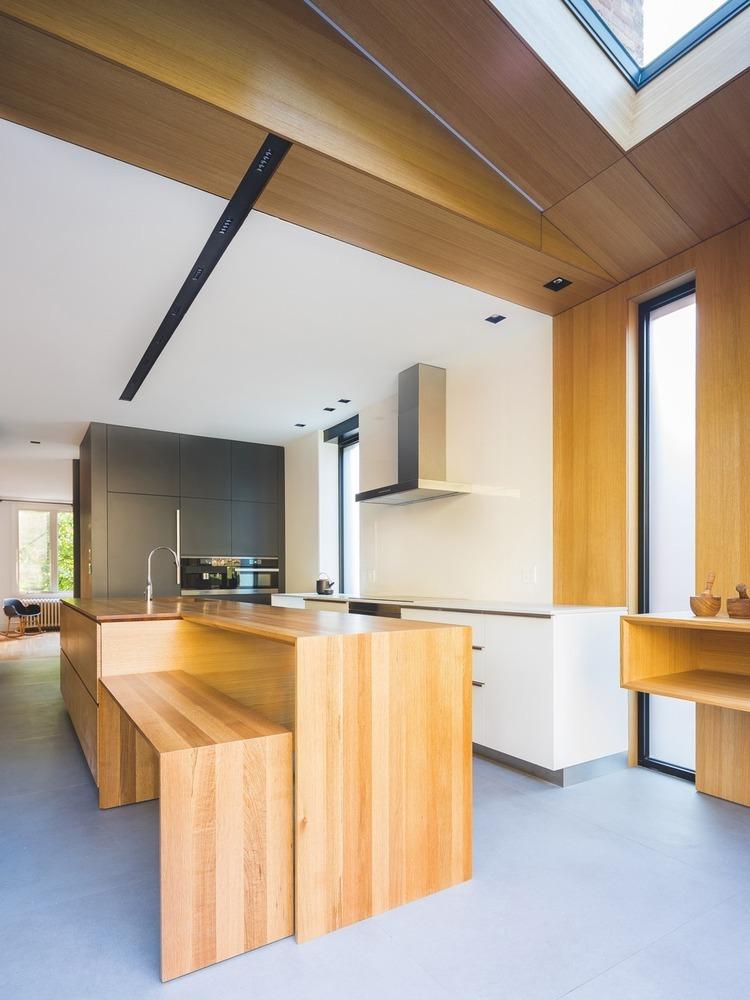 Cómo diseñar una Isla de cocina: Espacio eficiente y multifuncional,© Raphael Thibodeau