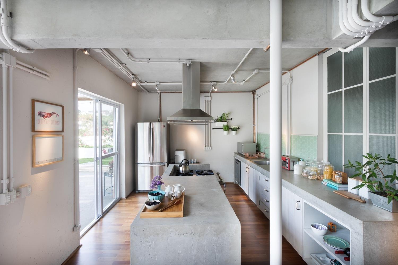 Cómo diseñar una Isla de cocina: Espacio eficiente y multifuncional,© Alexandre Disaro