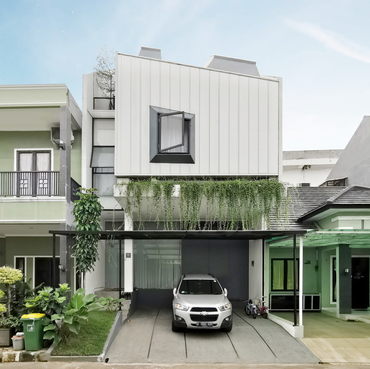 S House / Semiotic Arsitek, © Sandi Baratama & Niko Adiatma