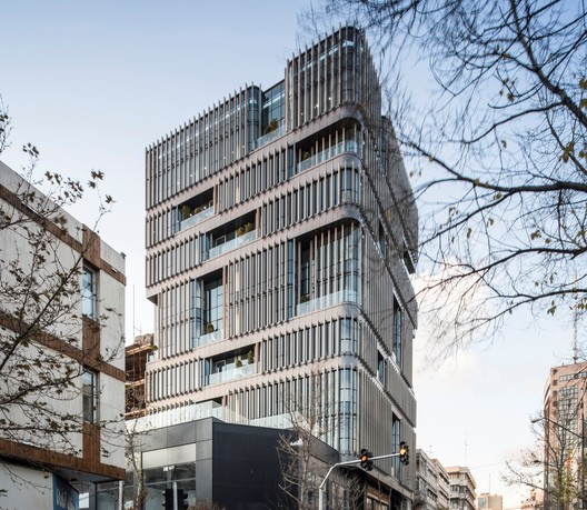 Edificio comercial VIRA / Alidoost and Partners