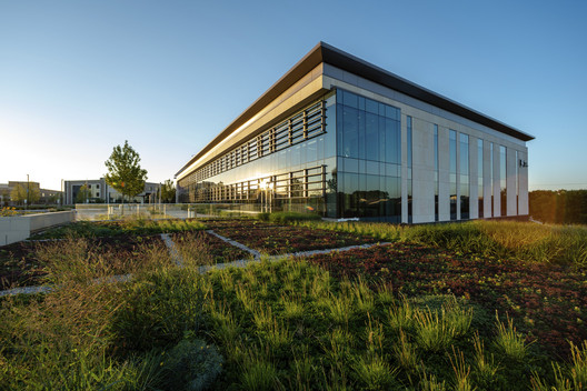 Palos Health South Campus | Orland Park, IL. Image Courtesy of HED