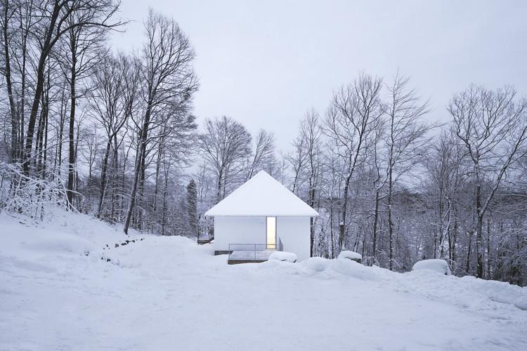 Chalet Poisson Blanc / NatureHumaine, © Raphaël Thibodeau