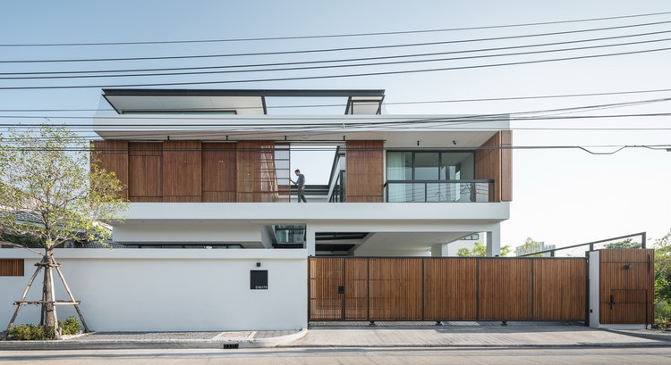 Bangkae House / Archimontage Design Fields Sophisticated, © Chalermwat Wongchompoo