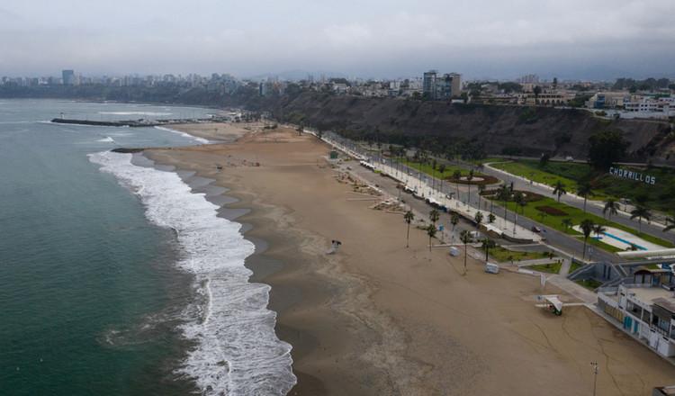Fotografías comparativas de las playas de Lima antes y durante la cuarentena , © abdrodrigo