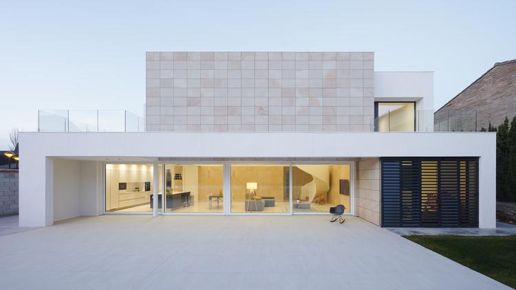 Iker & Maria House  / Tangram Arquitectura + Diseño, © Iñaki Bergera