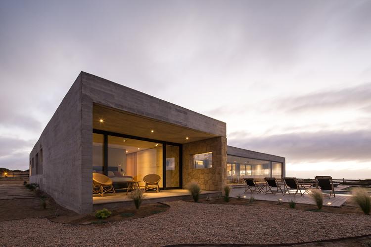 PI House / Benjamin Goñi Arquitectos + Claro + Westendarp Arquitectos, © Nico Saieh