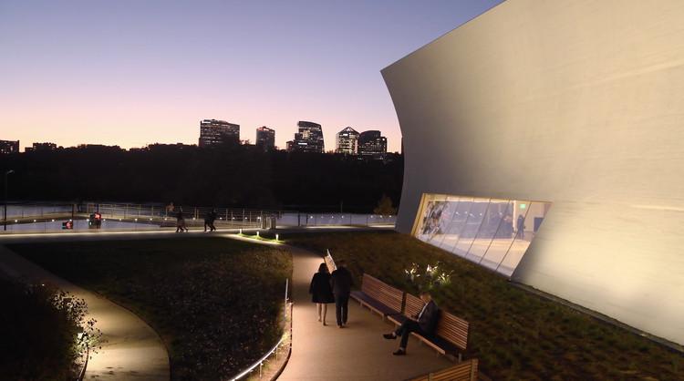 Vídeo apresenta o projeto REACH de Steven Holl no Kennedy Center for the Performing Arts, Cortesia de Spirit of Space