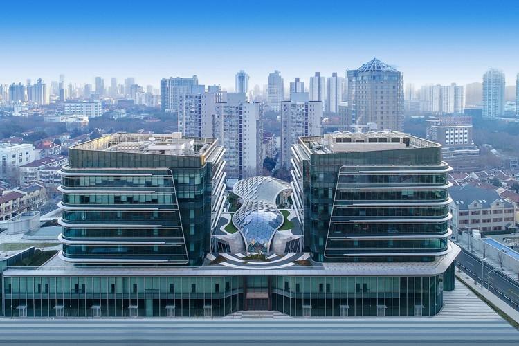 Shanghai Xujiahui Centre, Lot I & II / Ronald Lu & Partners, Lot 1. Image © Borui Images