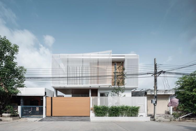 Casa Enfold / TOUCH Architect, © Chalermwat Wongchompoo