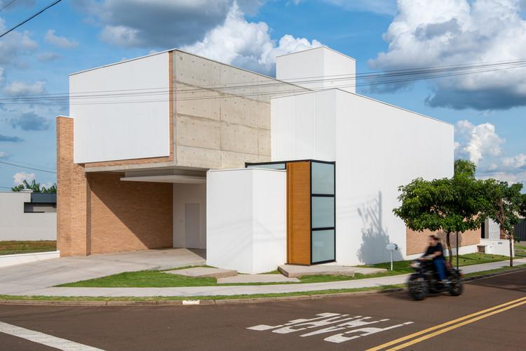Casa Wall / Caio Persighini Arquitetura, © Favaro Jr.