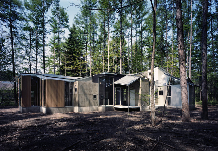 Gradation in the Forest House / Kotoaki Asano Architect & Associates, © Yukio Yoshimura