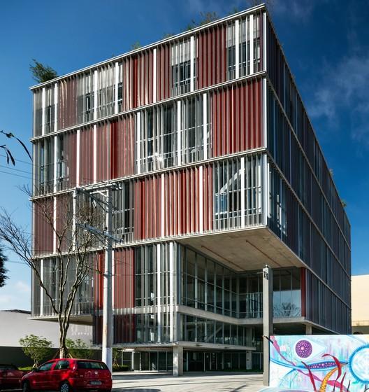 Edificio POP+ / Andrade Morettin Arquitetos Associados