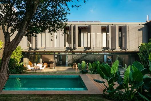 Residência MCC / Andrade Morettin Arquitetos Associados