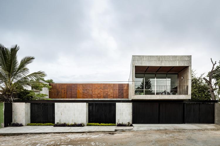 Arquitectura en México: casas, restaurantes, hoteles y departamentos Chiapas, Casa Ataulfo / Apaloosa Estudio de Arquitectura y Diseño. Image © César Béjar