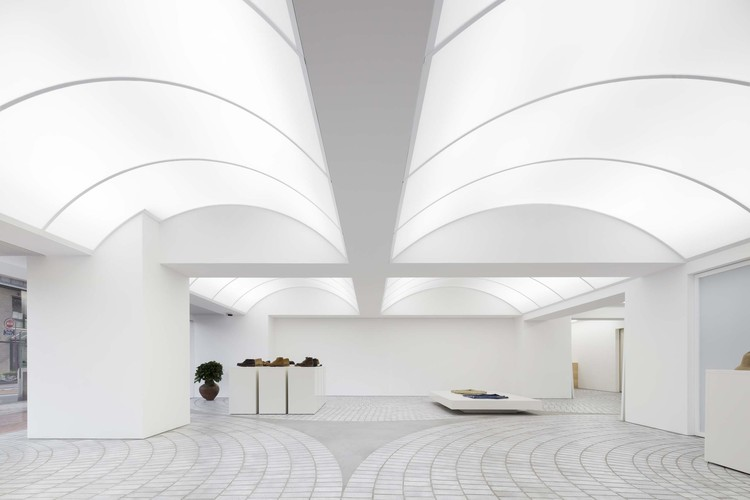 Loja F.I.L. FUKUOKA  / MURAYAMA + KATO ARCHITECTURE, © Yasuhiro Nakayama
