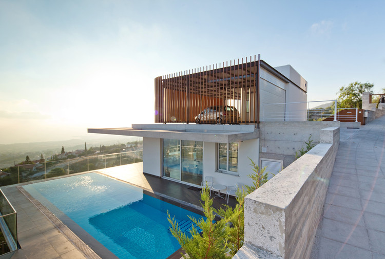 Concrete and Stone: New Homes Reinterpreting Tradition in Cyprus, © Creative Photo Room